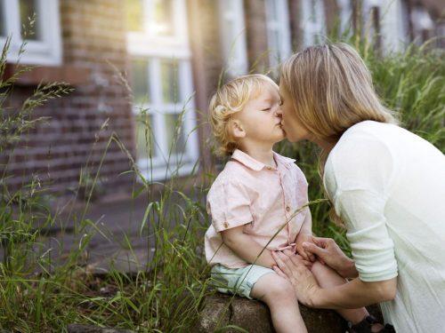 ¿Por qué tu hijo imita lo que haces?
